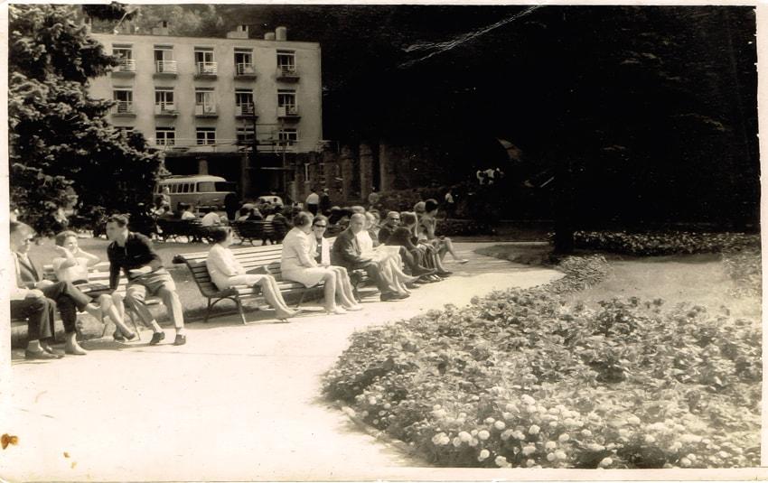 Na żegiestowskim deptaku  -  1959 r.